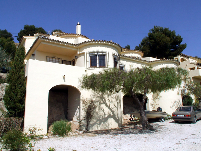 TWO BEDROOM SEA VIEW BUNGALOW IN MORAIRA