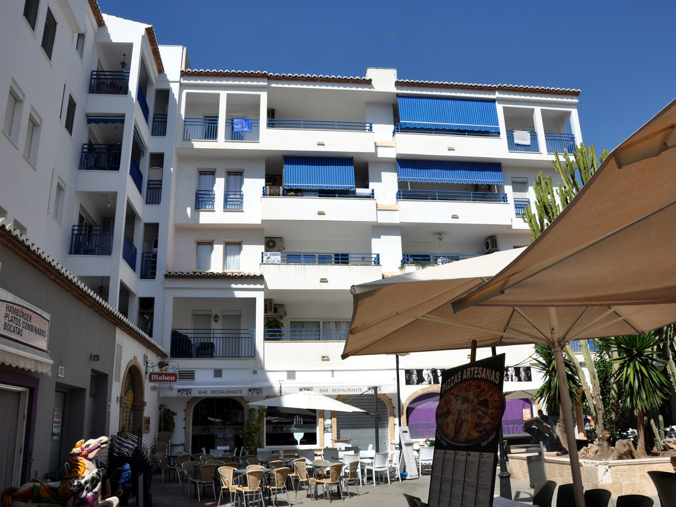PENTHOUSE APARTMENT OVERLOOKING THE CHURCH SQUARE IN MORAIRA
