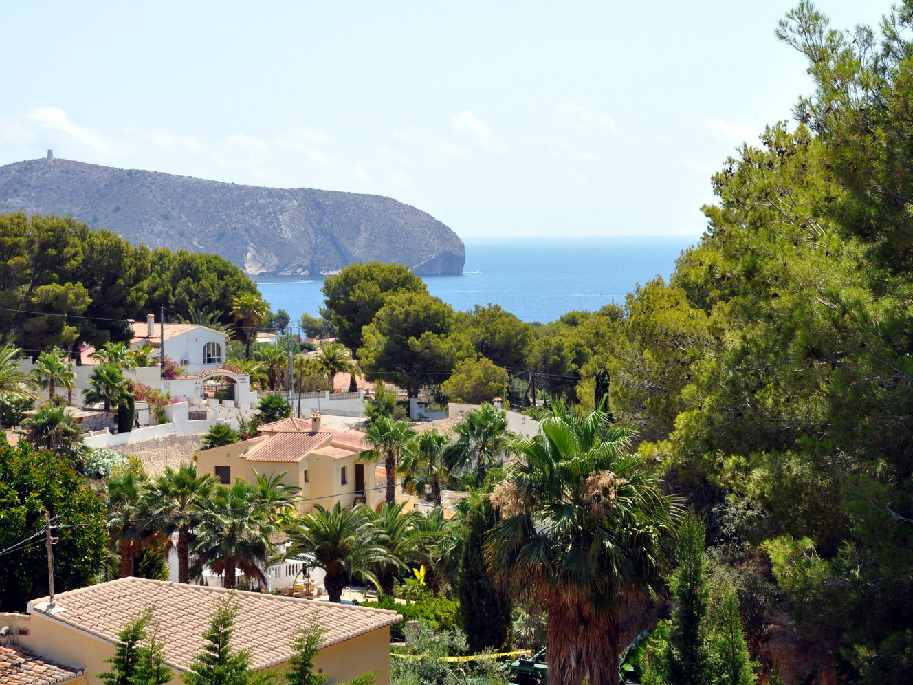 LARGE DETACHED SEA VIEW VILLA ON A VERY LARGE PLOT IN MORAVIT, MORAIRA