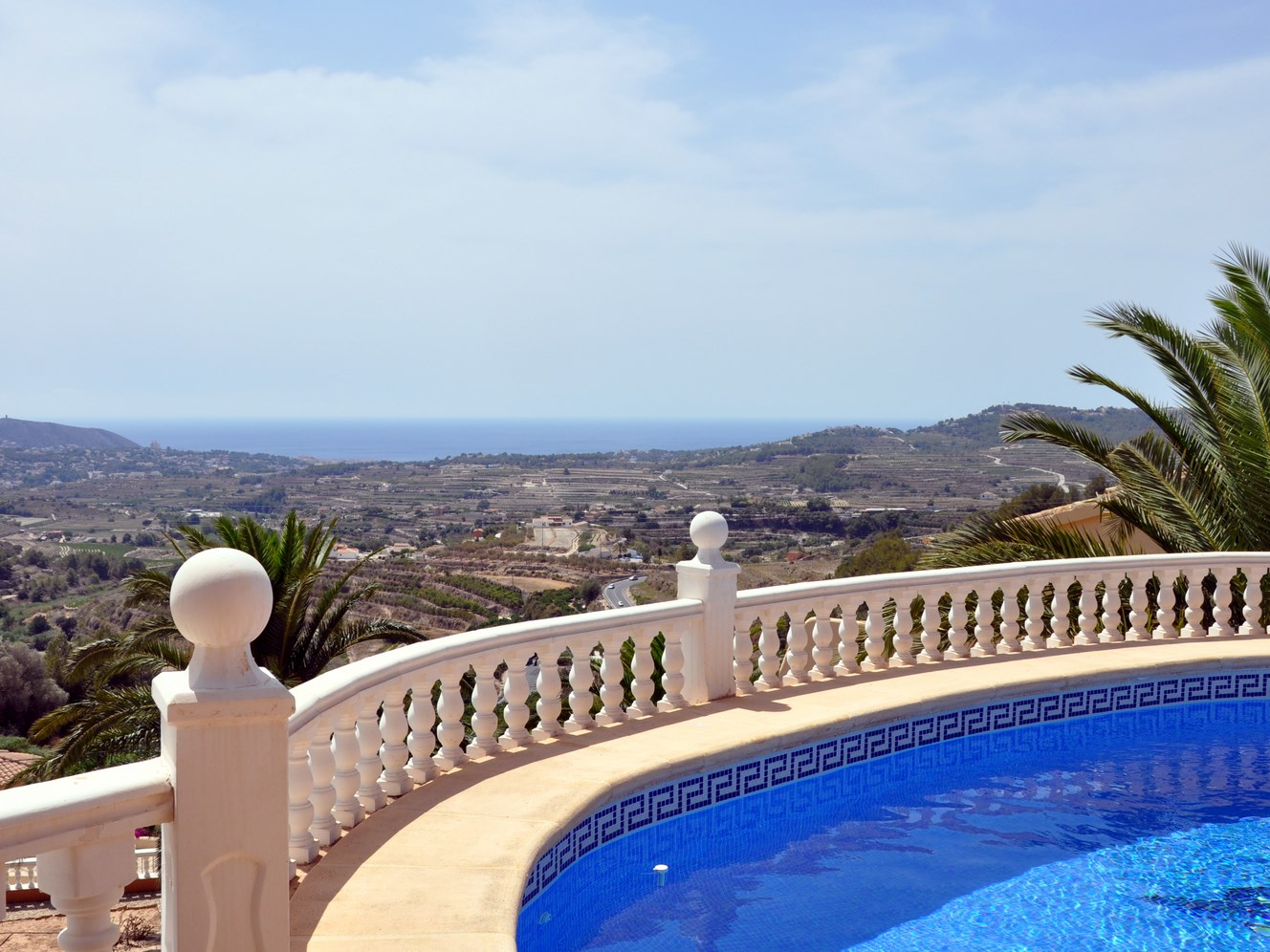 THREE BEDROOM,THREE BATHROOM VILLA WITH GORGEOUS VIEWS TO THE SEA