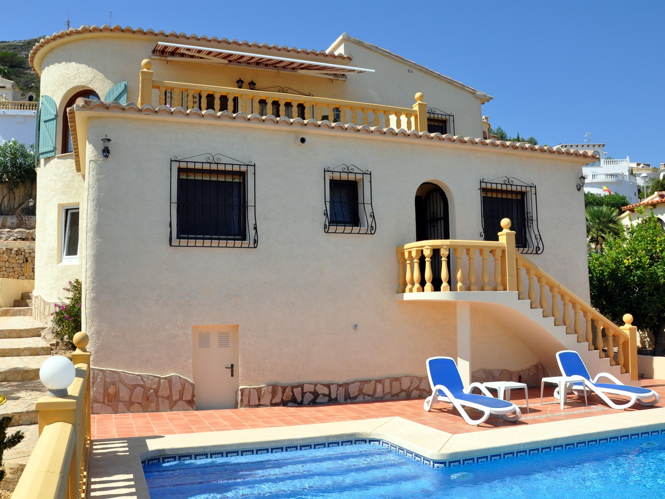 A SUPERB FOUR BEDROOM VILLA WITH EXCELLENT WIDE SEA VIEWS