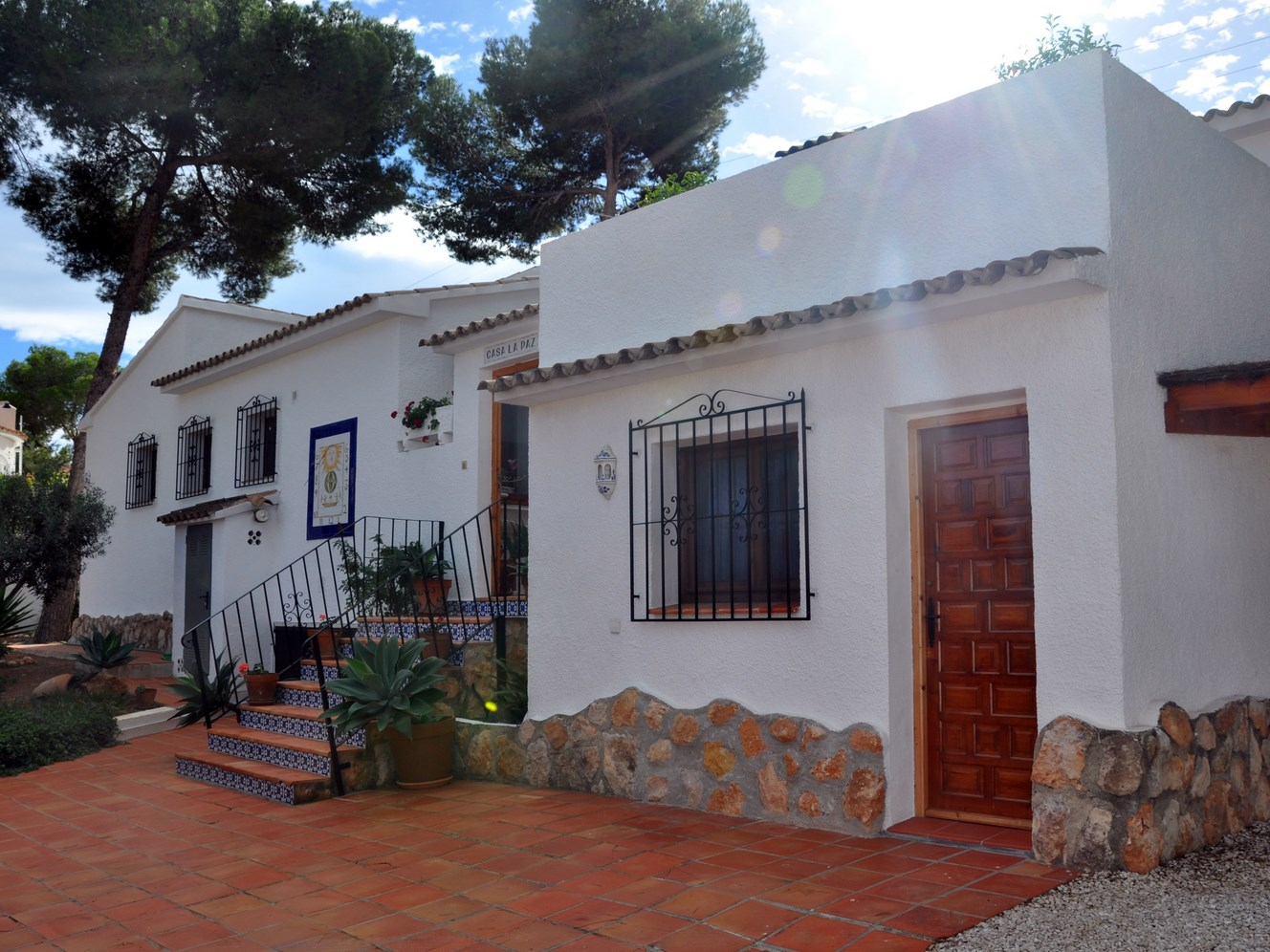 FIVE BEDROOM, FOUR BATHROOM, TYPICALLY SPANISH VILLA ON CAP BLANC