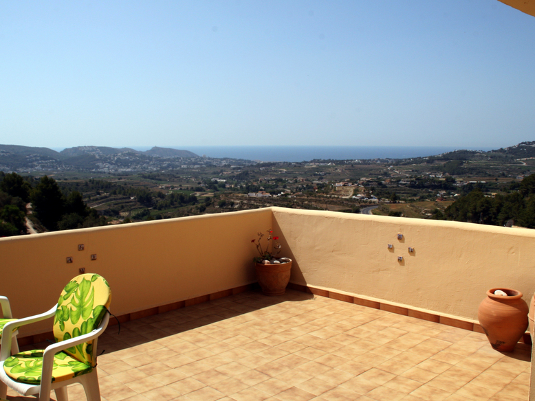 LOVELY CASTELLONS VIDA SEA VIEW APARTMENT FOR A BARGAIN PRICE