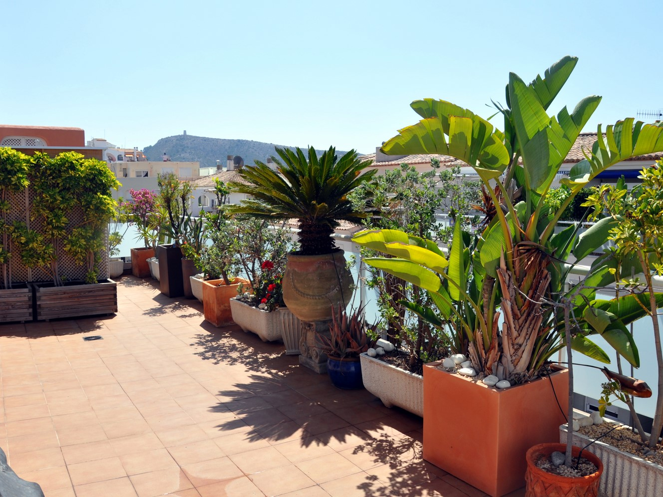 CENTRAL MORAIRA PENTHOUSE WITH A VERY LARGE TERRACE