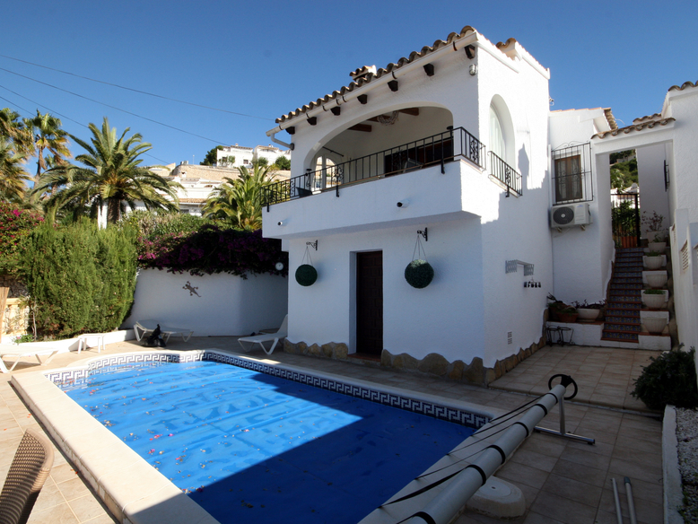 TWO BEDROOM, TWO BATHROOM DETACHED VILLA WITH A PRIVATE SWIMMING POOL
