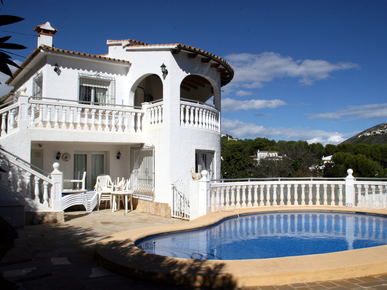 LUXURY FIVE BEDROOM VILLA IN EL PORTET, MORAIRA