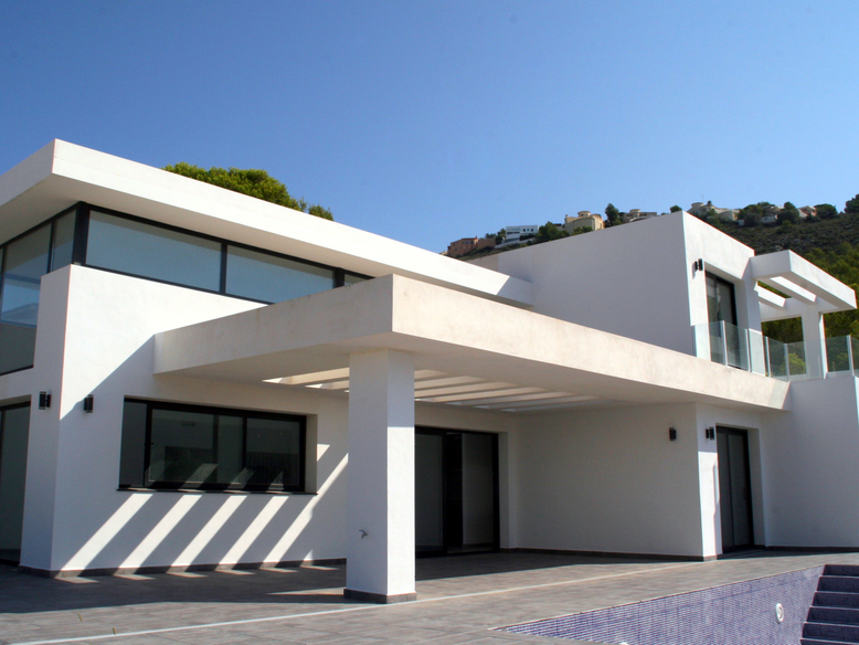 NEWLY BUILT STYLISH FOUR BEDROOM VILLA