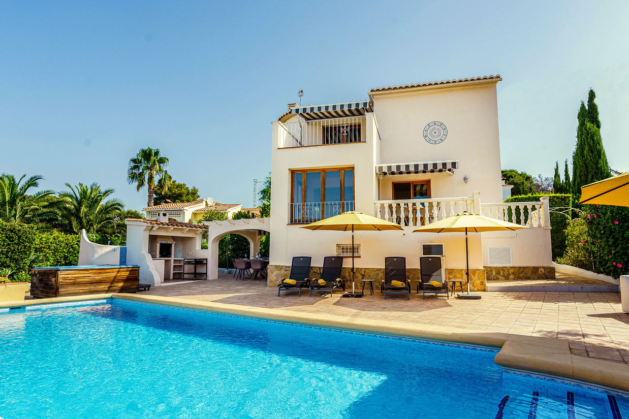 THREE BEDROOM SEA VIEW VILLA WITH A TEN METRE SWIMMING POOL