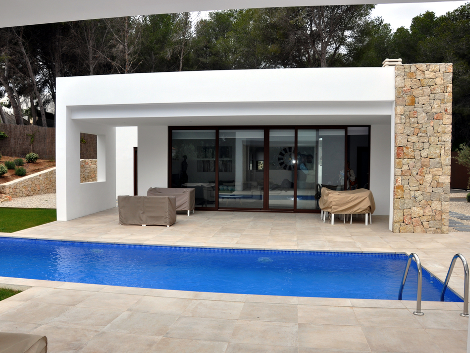 NYE BUILD VILLAS bare fem minutter til MORAIRA BEACH