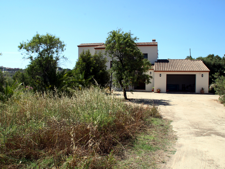 MODERN FINCA IN THE BENISSA COUNTRYSIDE