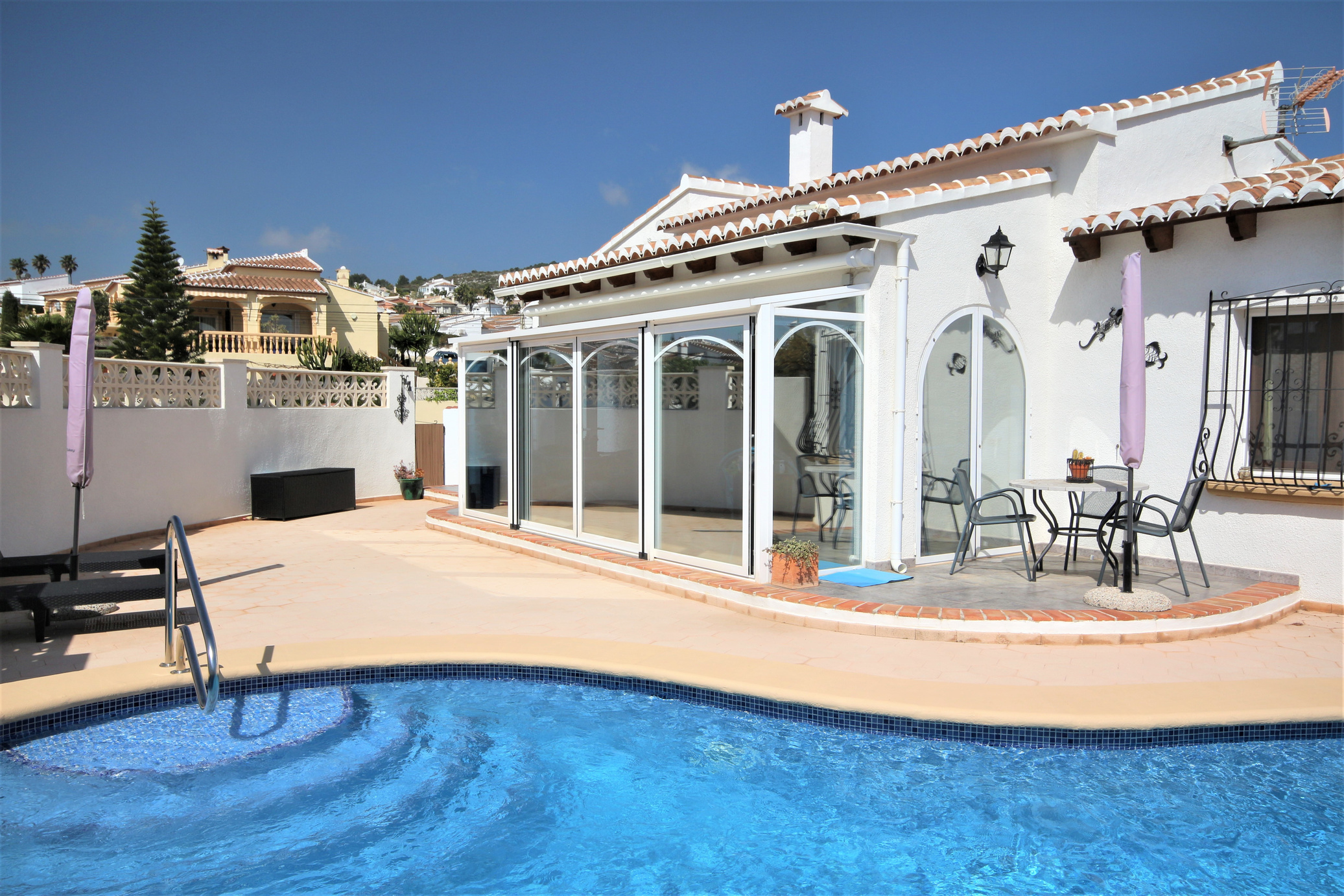 An immaculate south-facing villa with pool in Les Fonts