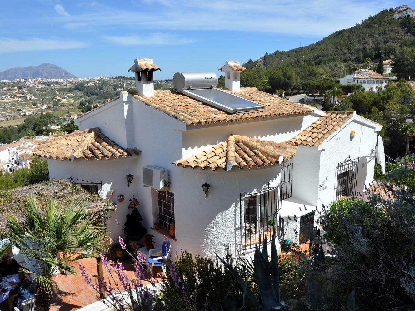 MORAIRA villa de quatre chambres avec une vue imprenable