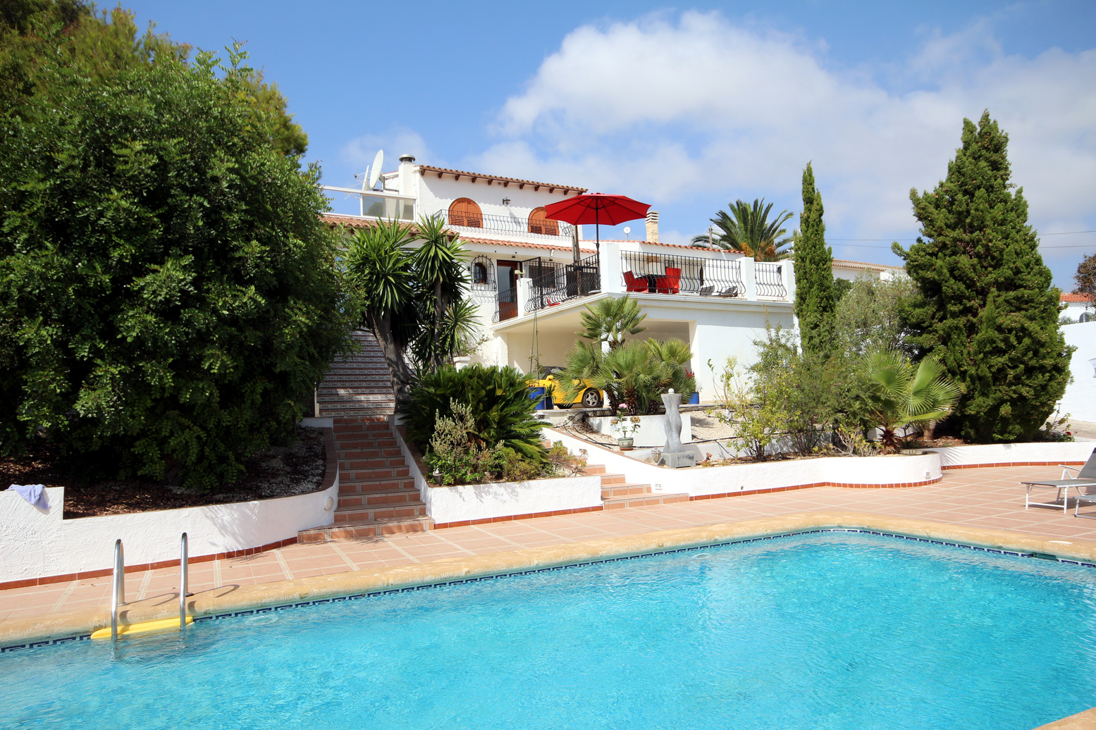 EXCELLENT LARGE VILLA ON A LARGE PLOT IN FANADIX, MORAIRA