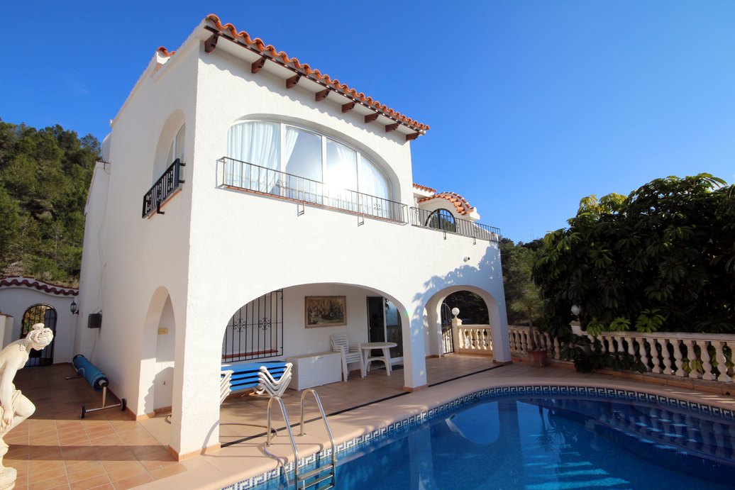 THREE BEDROOM VILLA WITH A HEATED POOL AND A SEA VIEW