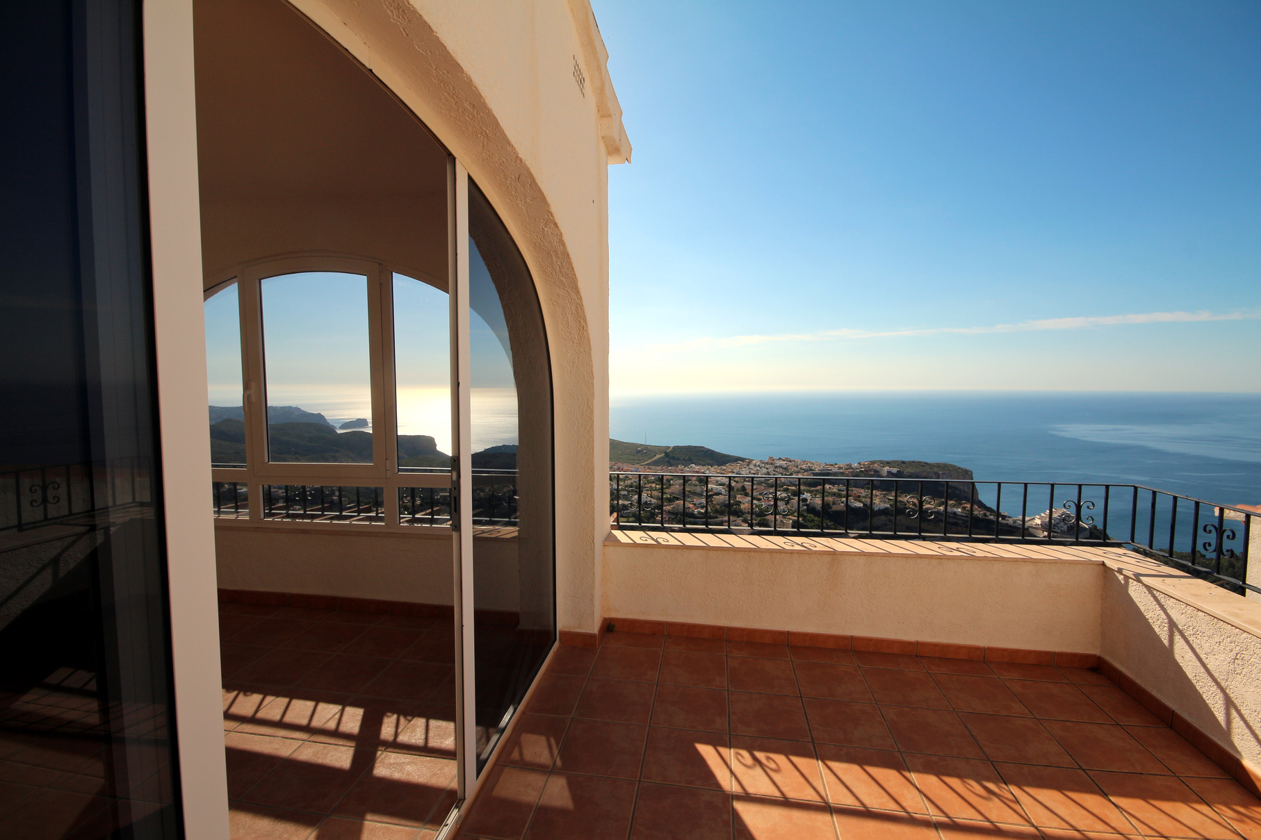 Two bedroom penthouse apartment with fantastic sea view