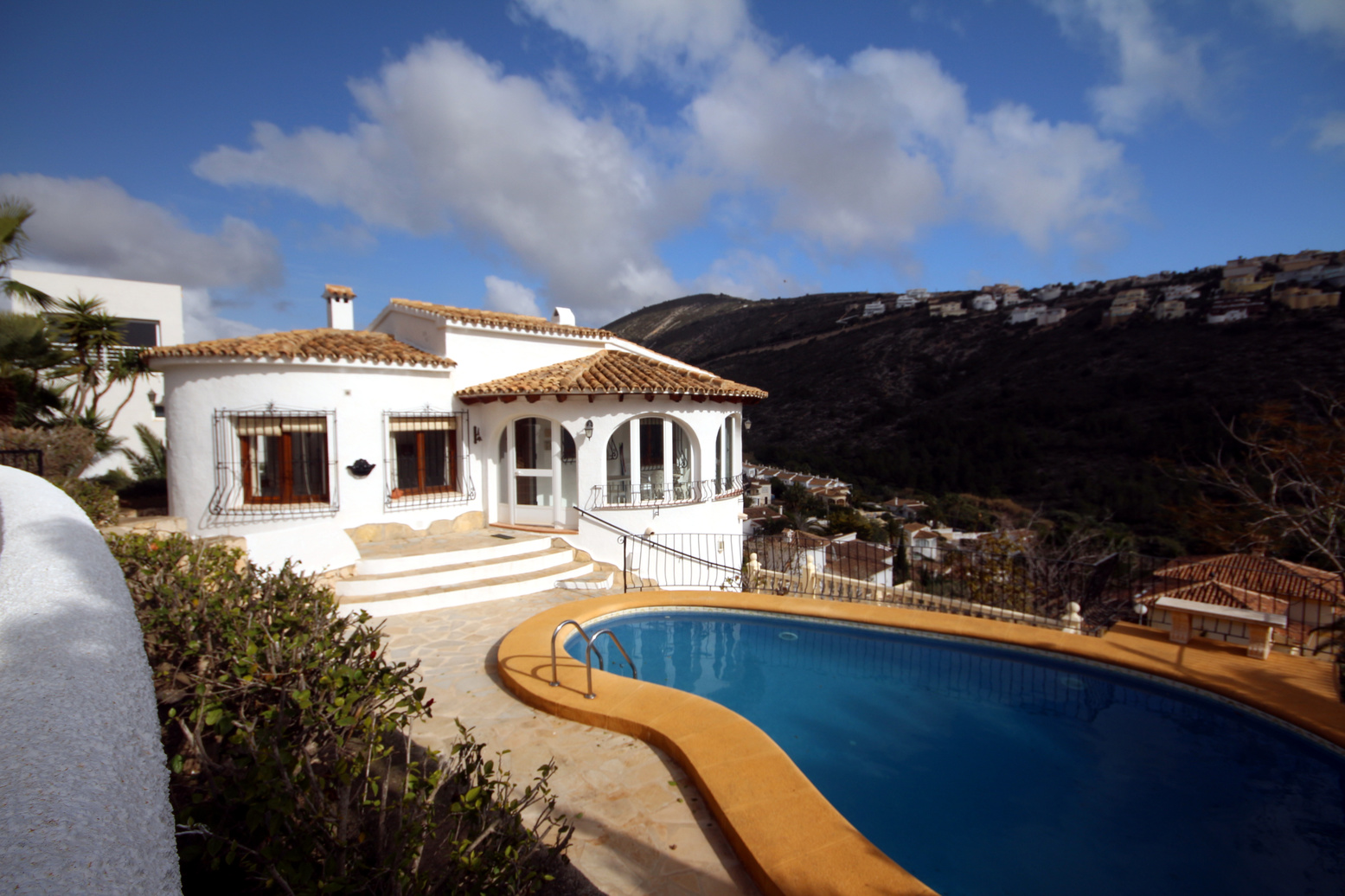 THREE BEDROOM, THREE BATHROOM VILLA WITH POOL IN GOLDEN VALLEY