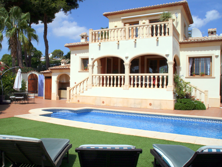 THREE BEDROOM, TWO BATHROOM VILLA IN EL PORTET, MORAIRA