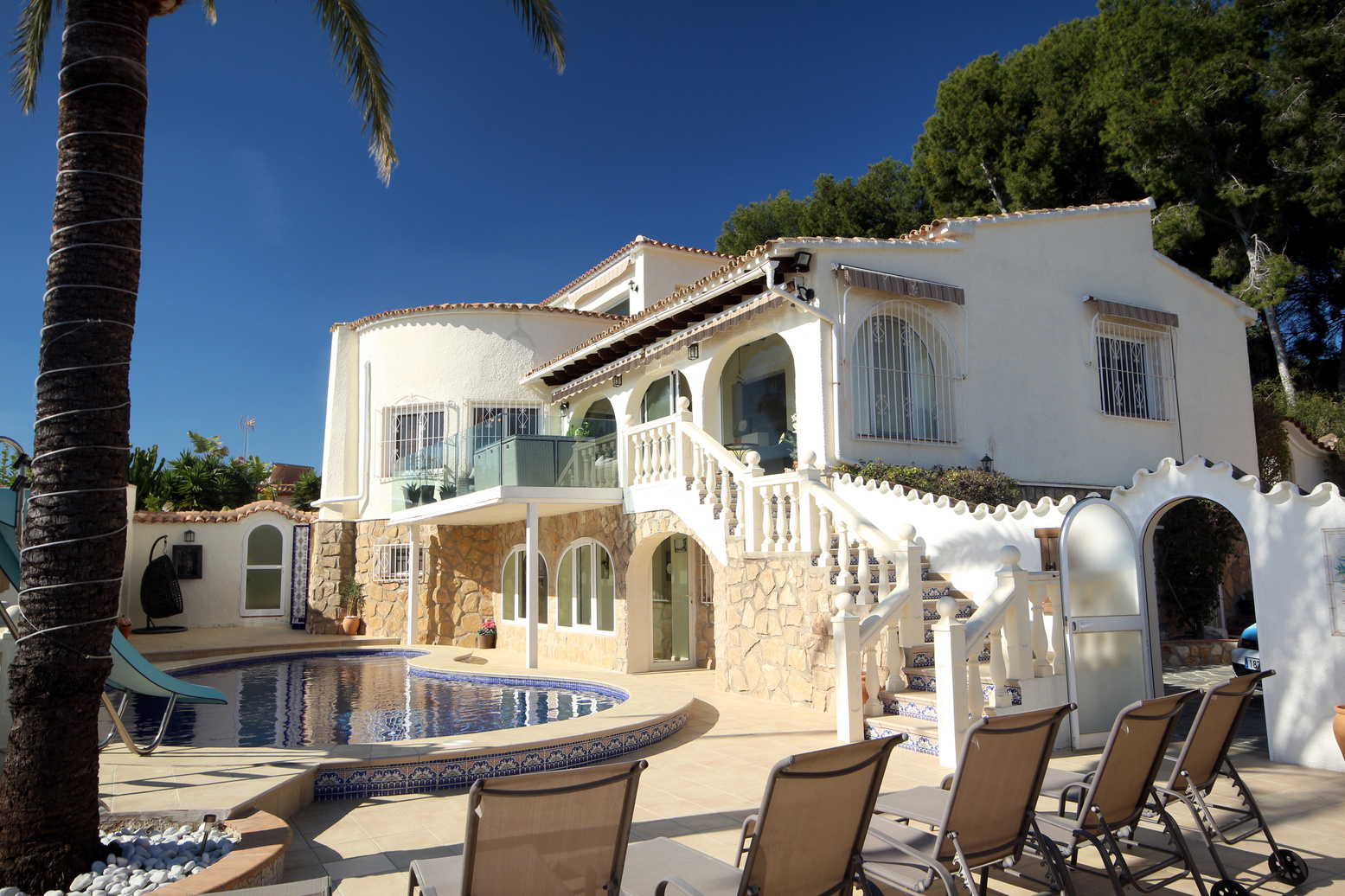 FANTASTIC SEA VIEW FIVE BEDROOM VILLA IN MORAIRA